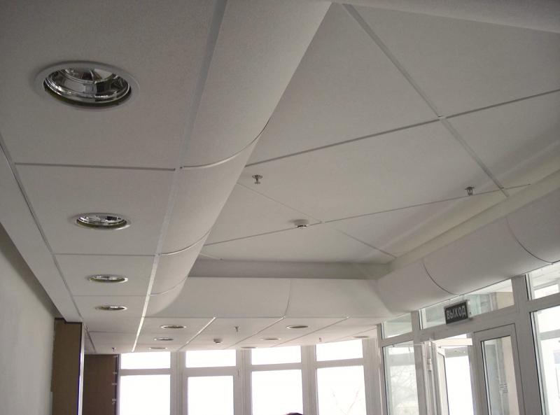 Пример помещения оборудованного изогнутыми панелями